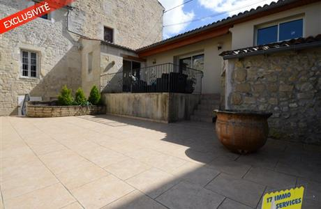 Sole agents in Saintes, 4 bedroom renovated townhouse and garden