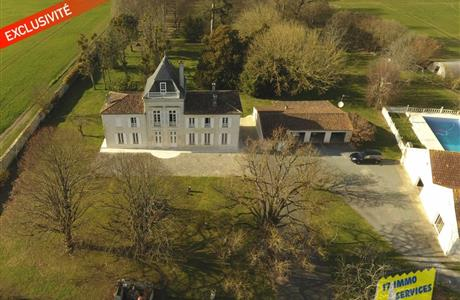 Magnificent Logis with two gites in gardens of 9 acres